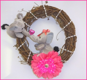 elephant sweetheart wreath